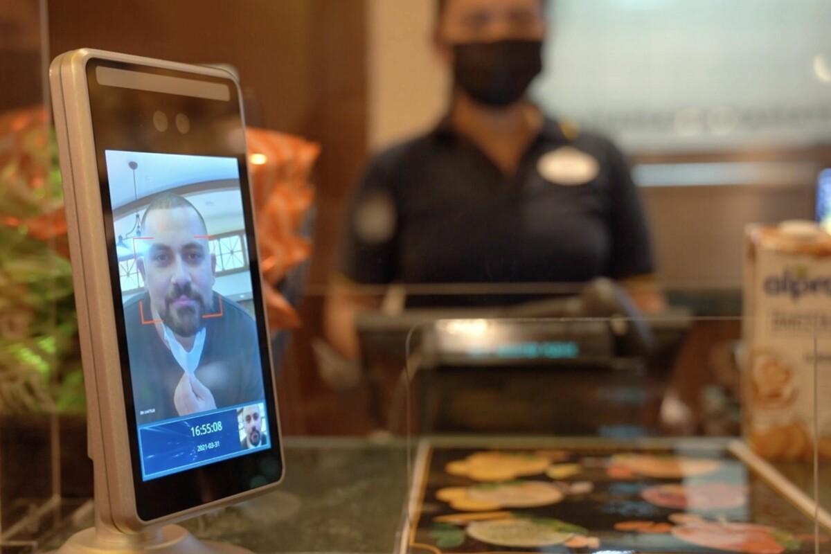 facial ID Farah phone