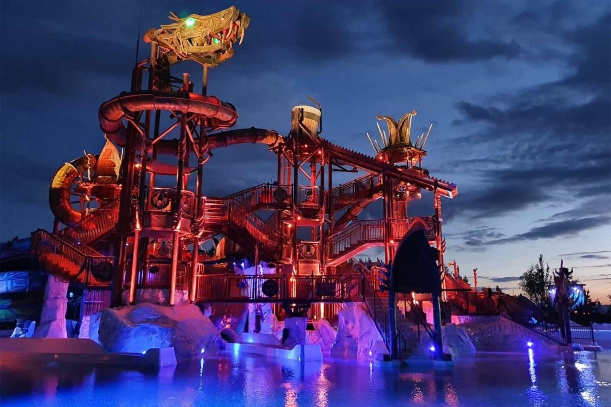 pro slide waterpark night illuminated